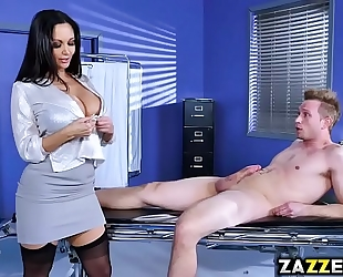 Dr ava adams soothes bill baileys shlong with a oral job