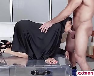 Hot arab floozy ella receives fur pie team-fucked