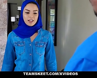 Exxxtrasmall - hawt muslim hottie receives double cumcockted