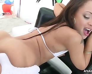 Holly hendrix licks arsehole previous to anal ride