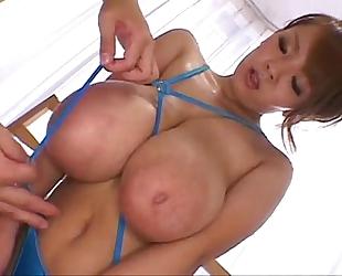 Hitomi tanaka - hitomi x oppai x 4 jikan - j no shôgeki to oppai no peculiar collaboration (2010) oppai