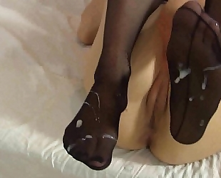 Lelulove nylons footjob with jizz flow