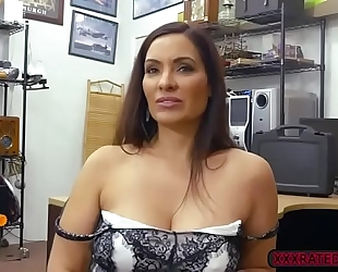Brunette sophie leon sucks bigcock in the pawnshop