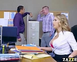 Boss stud let kagney linn karter engulf his large rod