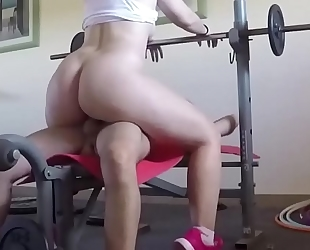 They fuck on the weight machine and that guy cums on her wobblers. san089