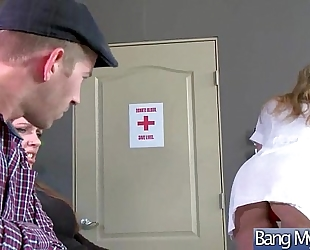 Hardcore sex action betwixt doctor and hawt whore patient (julia ann) mov-19