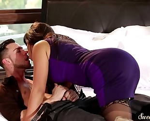 Gorgeous stepmom fucked from behind
