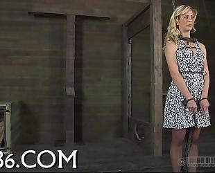 Ravishing hottie enters her cage