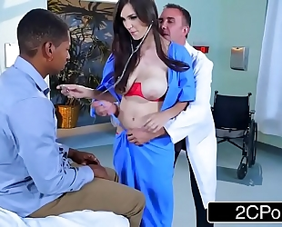 Dirty nurse holly michaels copulates in front of patients