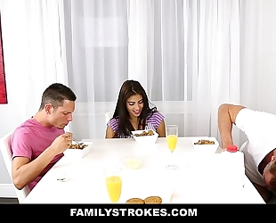 Familystrokes - my stepsister screwed my daddy and i