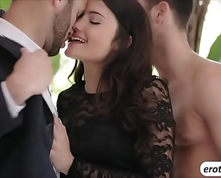 Beautiful sweetheart adria rae is treated with a 3some sex