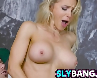 Reaching up that giant wiener to alix lynx