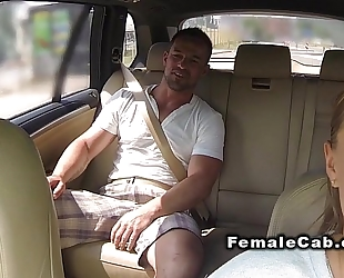Fat cab driver acquires biggest wang in bacseat