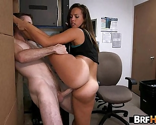 Tan gazoo beauty kelsi monroe supple backroom fuck.5