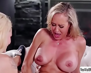 Teen golden-haired elsa jean and her lesbo stepmom brandi love grinds her slit into