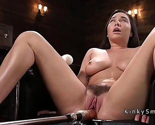 Curved breasty playgirl fucking machine and squirting