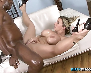 Interracial cool wazoo milf squirts on bbc
