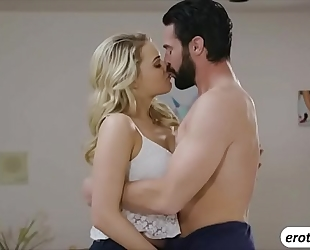 Horny wench mia malkova drilled one refreshing morning