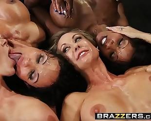 Brazzers.com - large marangos in sports - (brandi love) - miss titness america